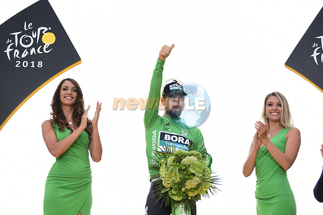 World Champion Peter Sagan (SVK) Bora-Hansgrohe wins the points Green Jersey, on the podium at the end of Stage 21 of the 2018 Tour de France running 116km from Houilles to Paris Champs-Elysees, France. 29th July 2018. <br /> Picture: ASO/Pauline Ballet | Cyclefile<br /> All photos usage must carry mandatory copyright credit (&copy; Cyclefile | ASO/Pauline Ballet)