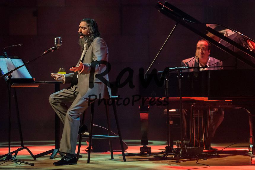 Diego El Cigala ha actuado por primera vez en Malmo.<br /> <br /> Oct. 28, 2015 - Malmo, Sweden - Diego el Cigala (6) Diego el Cigala, the famous flamenco singer sings during his first ever concert in Malmo.