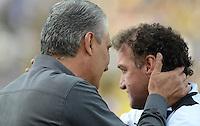 SAO PAULO SP, 14 Julho 2013 - Corinthians x Atletico MG.   Tite e Cuca  durante partida valida pela setima rodada do campeonato brasileiro de 2013  no Estadio do Pacaembu em  Sao Paulo, neste domingo , 14. (FOTO: ALAN MORICI / BRAZIL PHOTO PRESS).