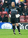 :: MOTHERWELL'S DARREN RANDOLPH AFTER HE DROPPED THE BALL TO LET ALEX BRUCE SCORE LEEDS FIRST ::