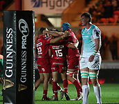 29th September 2017, Parc y Scarlets, Llanelli, Wales; Guinness Pro14 Rugby, Scarlets versus Connacht; Scarlets celebrate Tadhg Beirne of Scarlets try in the 2nd half