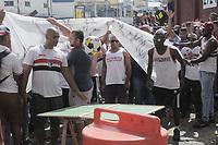 São Paulo (SP) 18/02/2019 - Futebol / Protesto / São Paulo - Torcedores do São Paulo durante protesto no Centro de Treinamento da Barra Funda, nesta segunda-feira, 18. (Fotos: Dorival Rosa/Brazil Photo Press)