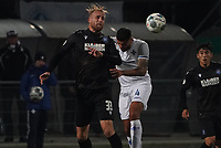 Philipp Hofmann (Karlsruher SC) gegen Victor Palsson (SV Darmstadt 98) - 29.10.2019: SV Darmstadt 98 vs. Karlsruher SC, Stadion am Boellenfalltor, 2. Runde DFB-Pokal<br /> DISCLAIMER: <br /> DFL regulations prohibit any use of photographs as image sequences and/or quasi-video.