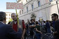 Roma, 19 Ottobre 2013<br /> Corteo contro l'austerità e la precarietà<br /> Lo striscione di apertura dei movimenti per la casa e