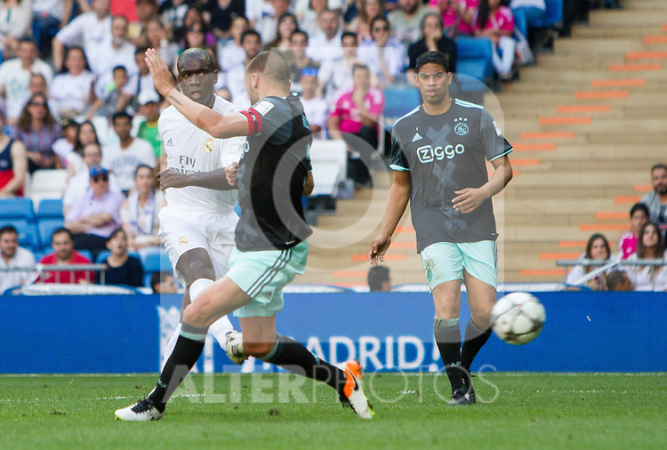 Clarence Seedof and Michael Reiziger during the Corazon Classic Match 2016 at Estadio Santiago Bernabeu between Real Madrid Legends and Ajax Legends. Jun 5,2016. (ALTERPHOTOS/Rodrigo Jimenez)