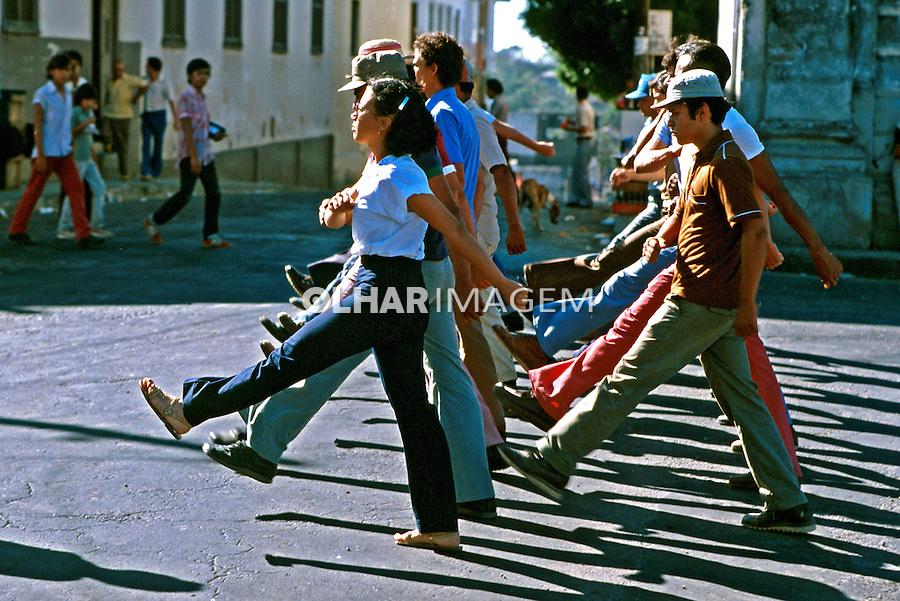 Treinamento de milícias populares em Leon. Nicarágua. 1981. Foto de Juca Martins.