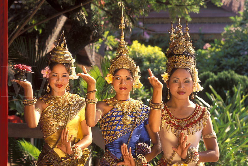 Traditional Dancer and Colorful Costumes,  Khmer Arts Dance Siem Reap, Cambodia