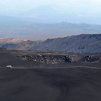 La jeep dei turisti sul versante est dell'Etna...The jeep of the tourists on eastern side of Etna volcano.