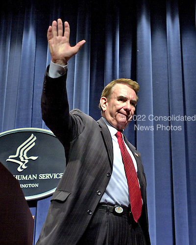 United States Secretary of Health and Human Services (HHS) Tommy G. Thompson announces his resignation in Washington, D.C. on December 3, 2004.  In his remarks, Thompson proudly spoke about the accomplishments of his stewardship of the department. <br /> Credit: Ron Sachs / CNP