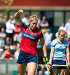 NIJMEGEN -   Gitte Michels (Huizen) scoort  tijdens  de tweede play-off wedstrijd dames, Nijmegen-Huizen (1-4), voor promotie naar de hoofdklasse.. Huizen promoveert naar de hoofdklasse.   COPYRIGHT KOEN SUYK