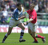25/05/2002 (Saturday).Sport -Rugby Union - London Sevens.Wales vs Argentina.Manual  Contepomi running with ball[Mandatory Credit, Peter Spurier/ Intersport Images].