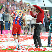 10.05.2014, Allianz Arena, Muenchen, GER, 1. FBL, FC Bayern Muenchen vs VfB Stuttgart, 34. Runde, im Bild Trainer Pep Guardiola (FC Bayern Muenchen) duscht Toni Kroos (FC Bayern Muenchen) // during the German Bundesliga 34th round match between FC Bayern Munich and VfB Stuttgart at the Allianz Arena in Muenchen, Germany on 2014/05/10. EXPA Pictures © 2014, PhotoCredit: EXPA/ Eibner-Pressefoto/ Stuetzle<br /> <br /> *****ATTENTION - OUT of GER***** <br /> Football Calcio 2013/2014<br /> Bundesliga 2013/2014 Bayern Campione Festeggiamenti <br /> Foto Expa / Insidefoto