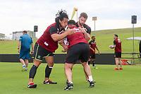 Picture by David Neilson/SWpix.com/PhotosportNZ - 09/02/2018 - Rugby League - Betfred Super League - Wigan Warriors v Hull FC - Captain's Run - WIN Stadium, Wollongong, Australia - Taulima Tautai & Sean O'Loughlin in training.
