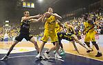 08.05.2018, EWE Arena, Oldenburg, GER, BBL, Playoff, Viertelfinale Spiel 2, EWE Baskets Oldenburg vs ALBA Berlin, im Bild<br /> Dennis CLIFFORD (ALBA Berlin #42 )<br /> Rasid MAHALBASIC (EWE Baskets Oldenburg #24)<br /> Marius GRIGONIS (ALBA Berlin #13 )<br /> Foto &copy; nordphoto / Rojahn