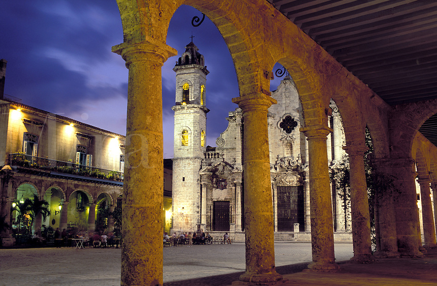Cuba, Havana, Catedral de San Cristobal de La Habana, Plaza de la Catedral