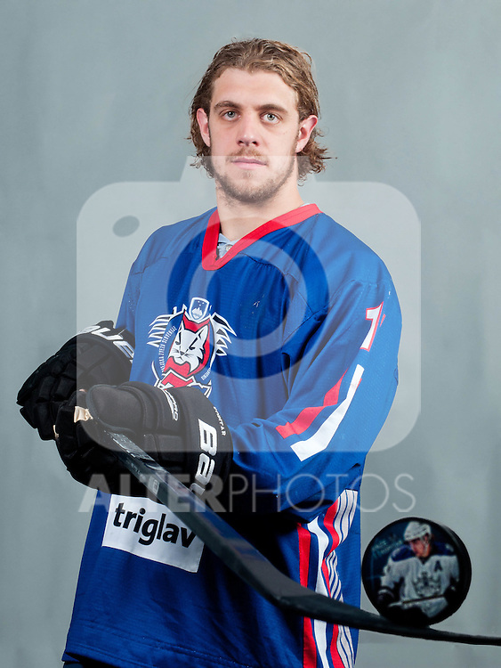 31.08.2011, Dvorana Podmezaklja, Jesenice, SLO, NHL, Player Anze Kopitar, im Bild Anze Kopitar at photo shooting with Slovenian HZS hockey jersey during Anze Kopitar Press Conference before going back to Los Angeles for the start of NHL League, on August 31, 2011, in Dvorana Podmezaklja, Jesenice, Slovenia, EXPA Pictures © 2011, PhotoCredit: EXPA/ Sportida/ M. Klansek Velej *** ATTENTION *** SLOVENIA OUT!