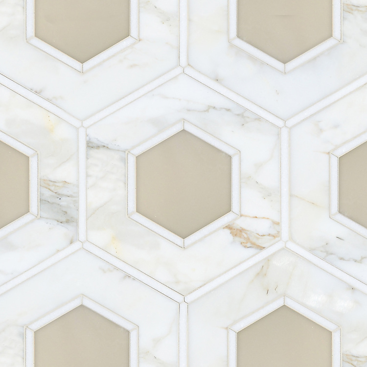 Ruche, a stone waterjet mosaic, shown in polished Calacatta, polished Thassos, and Cream Onyx, is part of the Aurora® collection by Sara Baldwin for New Ravenna.