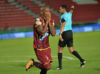 IBAGUÉ - COLOMBIA, 8-03-2018: Erik Correa de Deportes Tolima  celebra después de anotar un gol al Envigado FC durante partido por la fecha 7 de la Liga Águila I 2018 jugado en el estadio Manuel Murillo Toro de la ciudad de Ibagué . / Erik Correa payer of Deportes Tolima   celebrates after scoring a goal to Envigado FC   during match for the date 7 of the Aguila League I 2018 at Manuel Murillo Toro stadium in Ibague  city. Photo: VizzorImage/ Juan Carlos Escobar /  Contribuidor