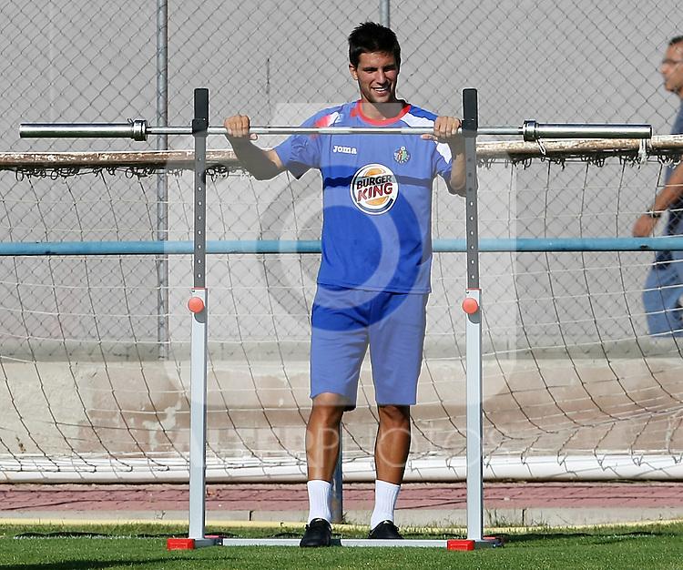 Getafe's Adrian Gonzalez during training sesion.August 6 2009. (ALTERPHOTOS/Acero).