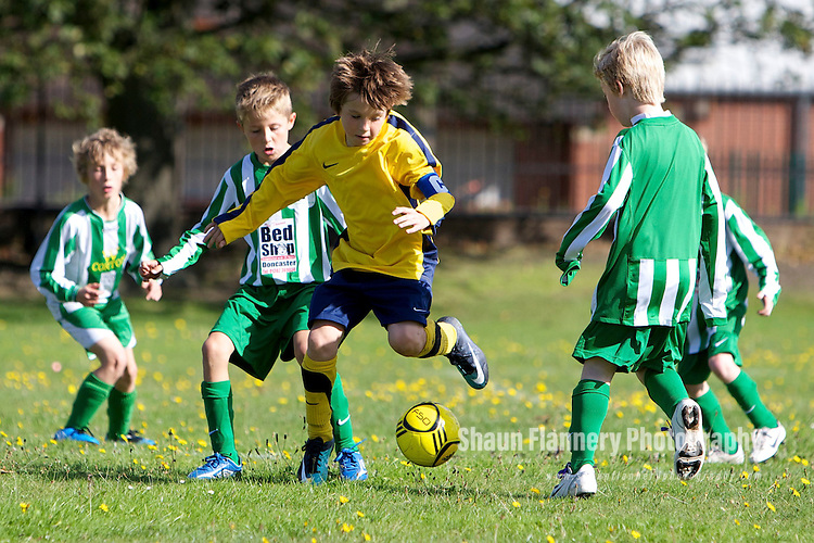 Pix: Shaun Flannery/shaunflanneryphotography.com...COPYRIGHT PICTURE>>SHAUN FLANNERY>01302-570814>>07778315553>>..12th September 2010............Rossington v Sprotbrough Crusaders under 9's.