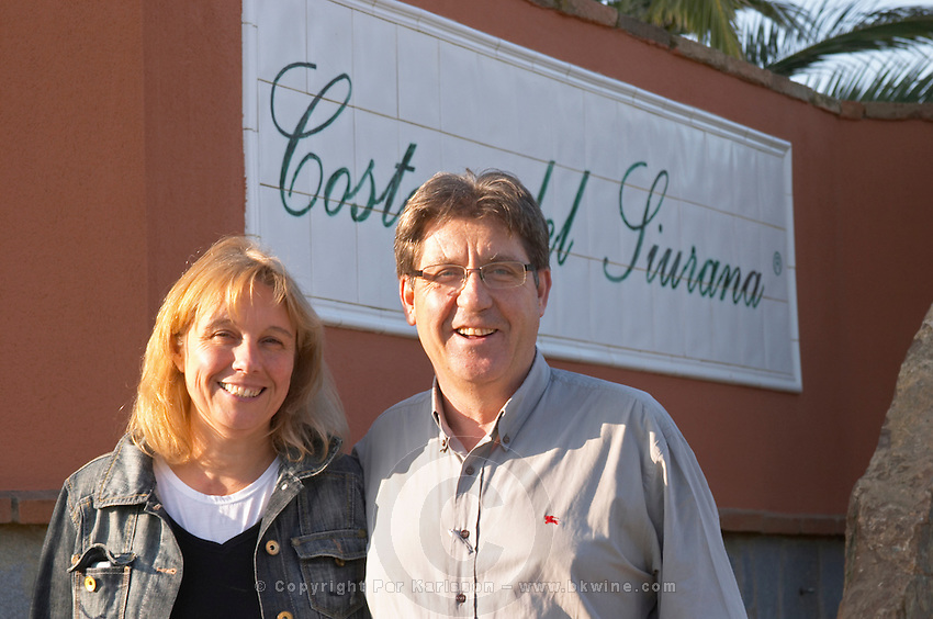 Carles Pastrana with his wife Jarque. Clos de l'Obac, Costers del Siurana, Gratallops, Priorato, Catalonia, Spain.