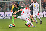 15.04.2018, Weser Stadion, Bremen, GER, 1.FBL, Werder Bremen vs RB Leibzig, im Bild<br /> <br /> Ishak Belfodil (Werder #29)<br /> Willi Orban (RB Leipzig #04)<br /> <br /> Foto &copy; nordphoto / Kokenge