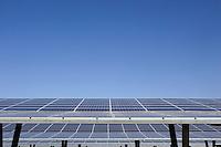 Pannelli solari nella zona di Parco de'Medici alla Magliana, periferia di Roma, 24 febbraio 2011..Solar panels at the outskirts of Rome, 24 february 2011..UPDATE IMAGES PRESS/Riccardo De Luca