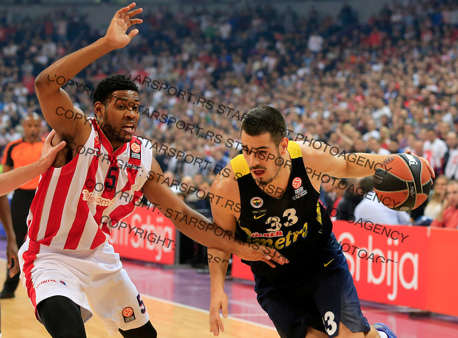 Kosarka Euroleague season 2015-2016<br /> Euroleague <br /> Crvena Zvezda v Fenebahce Istanbul<br /> Nikola Kalinic and Ryan Thompson (L)<br /> Beograd, 06.11.2015.<br /> foto: Srdjan Stevanovic/Starsportphoto &copy;