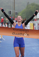 16 JUN 2007 - EDINBURGH, UK - Sophie Coleman takes the Junior Womens title - EUROPEAN DUATHLON CHAMPIONSHIPS. (PHOTO (C) NIGEL FARROW)