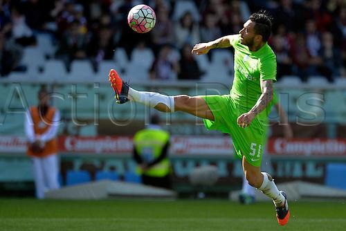 10.04.2016. Stadio Olimpico di Torino, Turin, Italy. Serie A Football. Torino versus Atalanta. Mauricio Pinilla controls a high ball