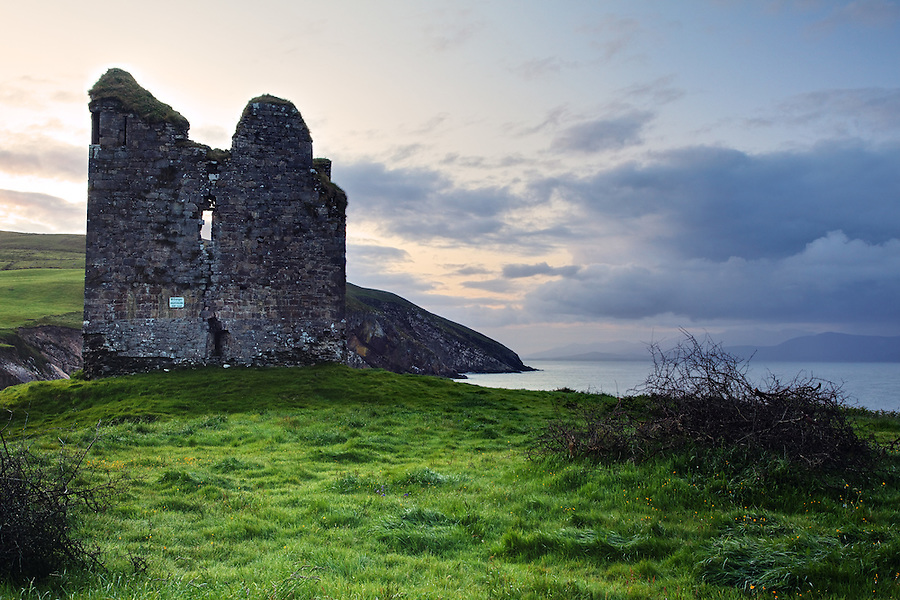 Minard Castle, Dingle Bay, Dingle Peninsula, County Kerry, Republic of Ireland