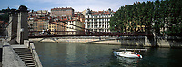 Europe/France/Rhône-Alpes/69/Rhone/Lyon: Quai de Saone et passerelle Saint-Vincent