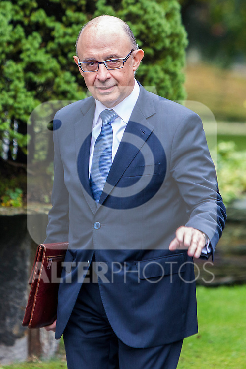Spanish Minister of the Treasury and Public Administrations Cristobal Montoro during the prensentation of Rajoy's New Government at Moncloa Palace in  Madrid, Spain. November 04, 2016. (ALTERPHOTOS/Rodrigo Jimenez)