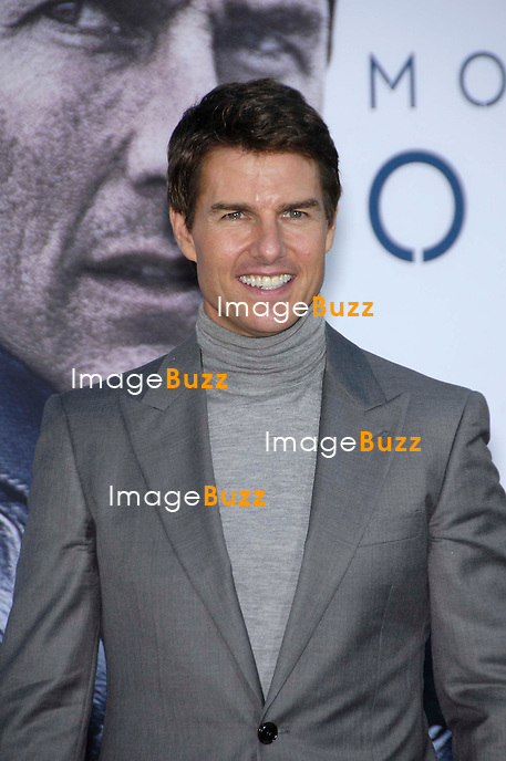 "Tom Cruise arrives at the "" Oblivion "" - Los Angeles Premiere at Dolby Theatre on April 10, 2013 in Hollywood, California."