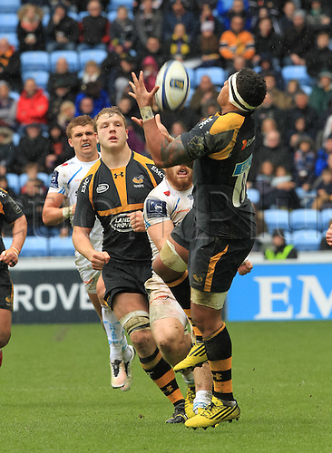 09.04.2016. Ricoh Arena, Coventry, England. European Champions Cup. Wasps versus Exeter Chiefs.  Wasps Nathan Hughes goes arial for the high ball.
