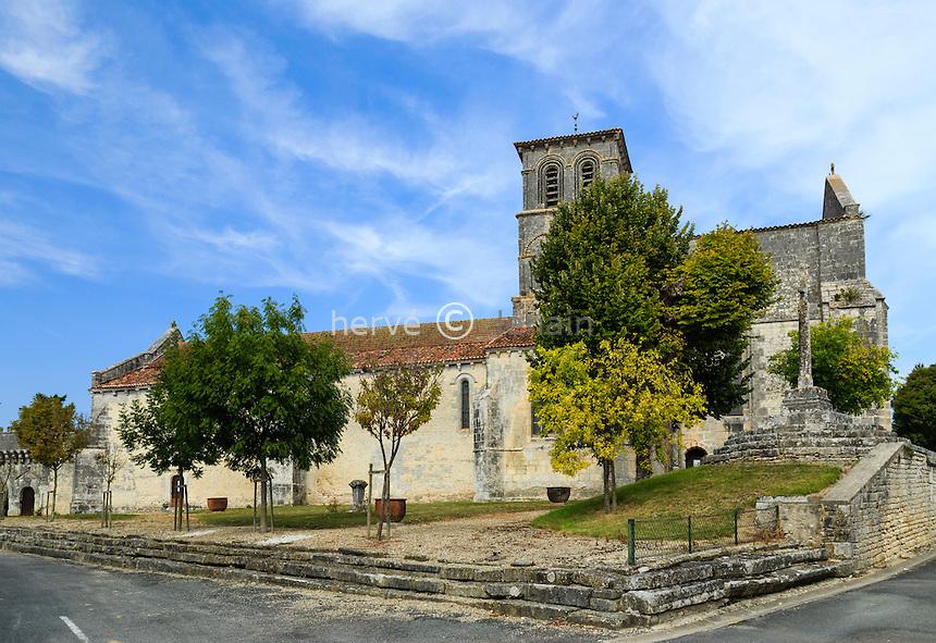 France, Charente (16), Juillac-le-Coq, l'église Saint-Martin // France, Charente, Juillac le Coq, Saint Martin church