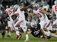 Ohio State Buckeyes running back Dontre Wilson (2) gains yards in the fourth quarter of their game at Beaver Stadium in State College, PA on October 25, 2014. (Columbus Dispatch photo by Brooke LaValley)
