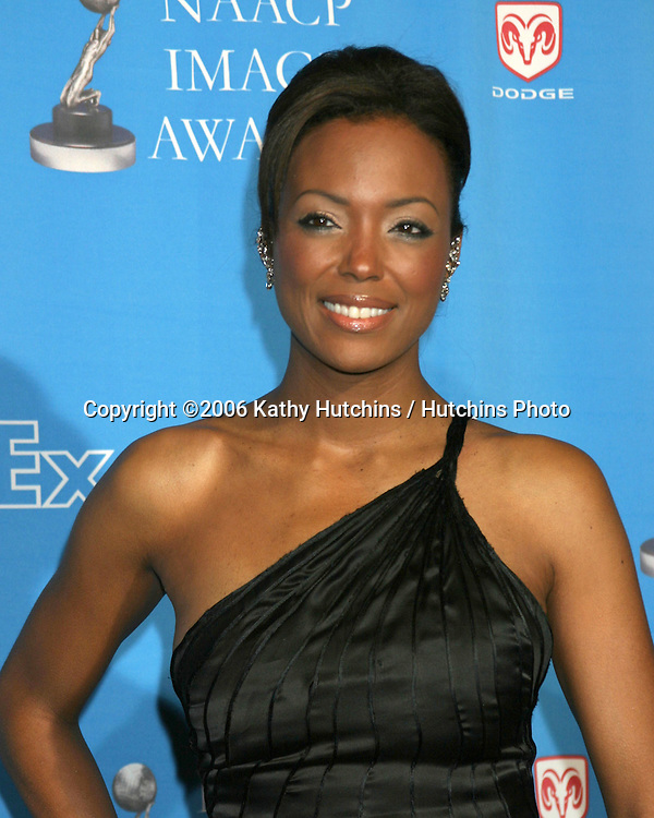 Aisha Tyler.37th NAACP Image Awards.Shrine Auditorium.Los Angeles, CA.February 25, 2006.©2006 Kathy Hutchins / Hutchins Photo....                 V