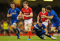 1st February 2020; Millennium Stadium, Cardiff, Glamorgan, Wales; International Rugby, Six Nations Rugby, Wales versus Italy; Nick Tompkins of Wales evades the attempted tackle by Danilo Fischetti of Italy