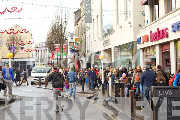 Christmas Shopping in Tralee.