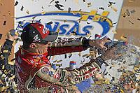 Winner Kevin Harvick (#4) celebrates in Victory Lane