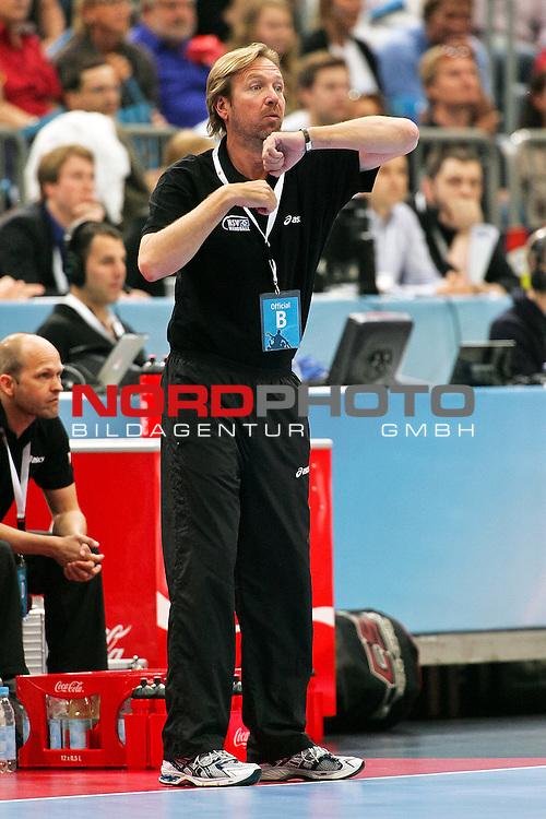 29.05.2011,  Lanxess Arena, Koeln, GER, EHF Final 4, Rhein-Neckar Löwen (GER) vs. HSV Hamburg (GER), Spiel um Platz 3, im Bild:  Martin Schwalb (Trainer Hamburg) Foto © nph / Mueller
