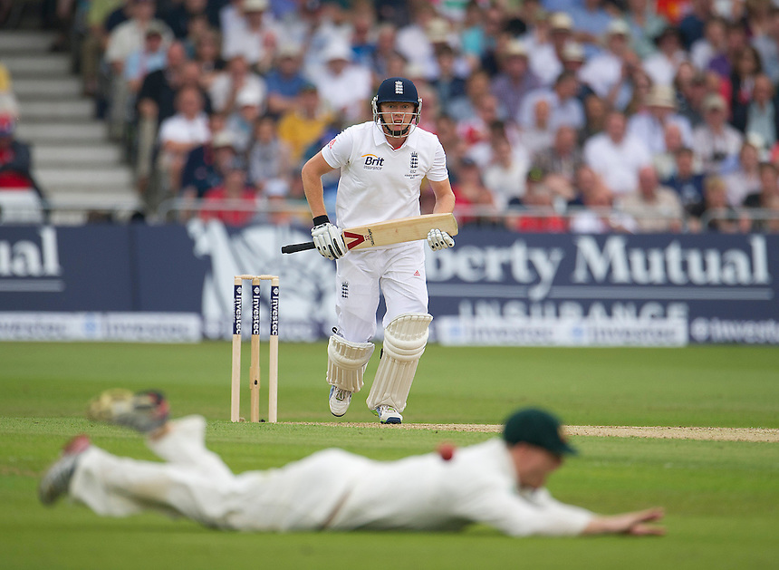 England's Jonny Bairstow hits a boundary of the bowling of Australia's James Pattinson past the Australian outfield<br /> <br />  (Photo by Stephen White/CameraSport) <br /> <br /> International Cricket - First Investec Ashes Test Match - England v Australia - Day 1 - Wednesday 10th July 2013 - Trent Bridge - Nottingham<br /> <br /> &copy; CameraSport - 43 Linden Ave. Countesthorpe. Leicester. England. LE8 5PG - Tel: +44 (0) 116 277 4147 - admin@camerasport.com - www.camerasport.com