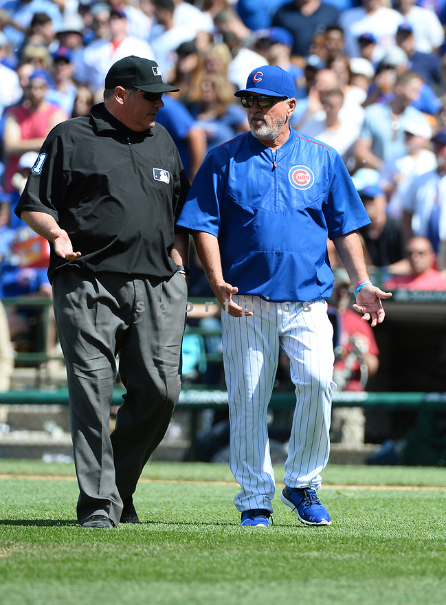 Chicago Cubs Joe Maddon (70) during a game against the Arizona Diamondbacks on June 5, 2016 at Wrigley Field in Chicago, IL. The Diamondbacks beat the Cubs 3-2.