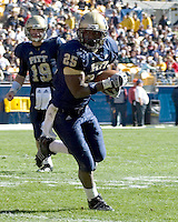 03 November 2007: Pitt running back LeSean McCoy (25)..The Pitt Panthers defeated the Syracuse Orange  20-17 on November 03, 2007 at Heinz Field, Pittsburgh, Pennsylvania.