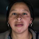 20 noviembre 2014. <br /> Gloria Elizabeth Mateo (26 a&ntilde;os). Activista en contra de la hidroel&eacute;ctrica Ecoener, en Santa Cruz de Barillas, Guatemala.<br /> La llegada de algunas compa&ntilde;&iacute;as extranjeras a Am&eacute;rica Latina ha provocado abusos a los derechos de las poblaciones ind&iacute;genas y represi&oacute;n a su defensa del medio ambiente. En Santa Cruz de Barillas, Guatemala, el proyecto de la hidroel&eacute;ctrica espa&ntilde;ola Ecoener ha desatado cr&iacute;menes, violentos disturbios, la declaraci&oacute;n del estado de sitio por parte del ej&eacute;rcito y la encarcelaci&oacute;n de una decena de activistas contrarios a los planes de la empresa. Un grupo de ind&iacute;genas mayas, en su mayor&iacute;a mujeres, mantiene cortado un camino y ha instalado un campamento de resistencia para que las m&aacute;quinas de la empresa no puedan entrar a trabajar. La persecuci&oacute;n ha provocado adem&aacute;s que algunos ecologistas, con &oacute;rdenes de busca y captura, hayan tenido que esconderse durante meses en la selva guatemalteca.<br /> <br /> En Cob&aacute;n, tambi&eacute;n en Guatemala, la hidroel&eacute;ctrica Renace se ha instalado con amenazas a la poblaci&oacute;n y falsas promesas de desarrollo para la zona. Como en Santa Cruz de Barillas, el proyecto ha dividido y provocado enfrentamientos entre la poblaci&oacute;n. La empresa ha cortado el acceso al r&iacute;o para miles de personas y no ha respetado la estrecha relaci&oacute;n de los ind&iacute;genas mayas con la naturaleza. &copy;Calamar2/ Pedro ARMESTRE<br /> <br /> The arrival of some foreign companies to Latin America has provoked abuses of the rights of indigenous peoples and repression of their defense of the environment. In Santa Cruz de Barillas, Guatemala, the project of the Spanish hydroelectric Ecoener has caused murders, violent riots, the declaration of a state of siege by the army and the imprisonment of a dozen activists opposed to the project . <br /> A gro