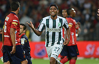 MEDELLÍN -COLOMBIA-07-02-2015. Luis Carlos Ruiz (Der) jugador de Atlético Nacional celebra un gol anotado a Independiente Medellin durante partido por la fecha 2 de la Liga Águila I 2015 jugado en el estadio Atanasio Girardot de la ciudad de Medellín./ Luis Carlos Ruiz (R) player of Atletico Nacional celebrates a goal scored to Independiente Medellin during the match for the  second date of the Aguila League I 2015 at Atanasio Girardot stadium in Medellin city. Photo: VizzorImage/León Monsalve/STR