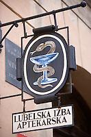 Europe/Pologne/Lublin: détai enseigne pharmacie de la vieille ville