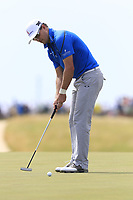 Zach Johnson (USA) takes his putt on the 6th green during Friday's Round 2 of the 117th U.S. Open Championship 2017 held at Erin Hills, Erin, Wisconsin, USA. 16th June 2017.<br /> Picture: Eoin Clarke | Golffile<br /> <br /> <br /> All photos usage must carry mandatory copyright credit (&copy; Golffile | Eoin Clarke)