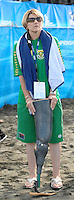 13th Fina World Championships From 17th to 2nd August 2009.Roma 21th July 2009 -.Opne Water Swimming 5Km - Nuoto Acque Libere 5Km.L'allenatrice dell'atleta sudafricana Natalie Du Toit (SAF) tiene la gamba artificiale.photo: Roma2009.com/InsideFoto/SeaSee.com .Foto Andrea Staccioli Insidefoto